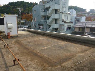 屋上緑化スペースの撤去|表面が汚く雨漏りも心配 京都市左京区