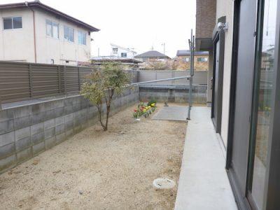 お庭に花壇を作る工事|室内からの目線を意識した庭づくり 京都府京田辺市